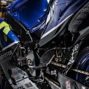 2016-Yamaha-YZR-M1-01