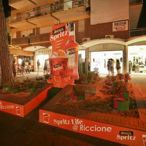 Aperol Spritz - Aiuola in Viale Ceccarini a Riccione