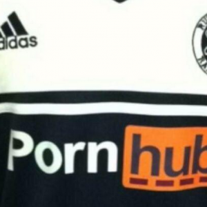 pornhub sponsor sulle maglie dei Rutherford Raiders nel Kent