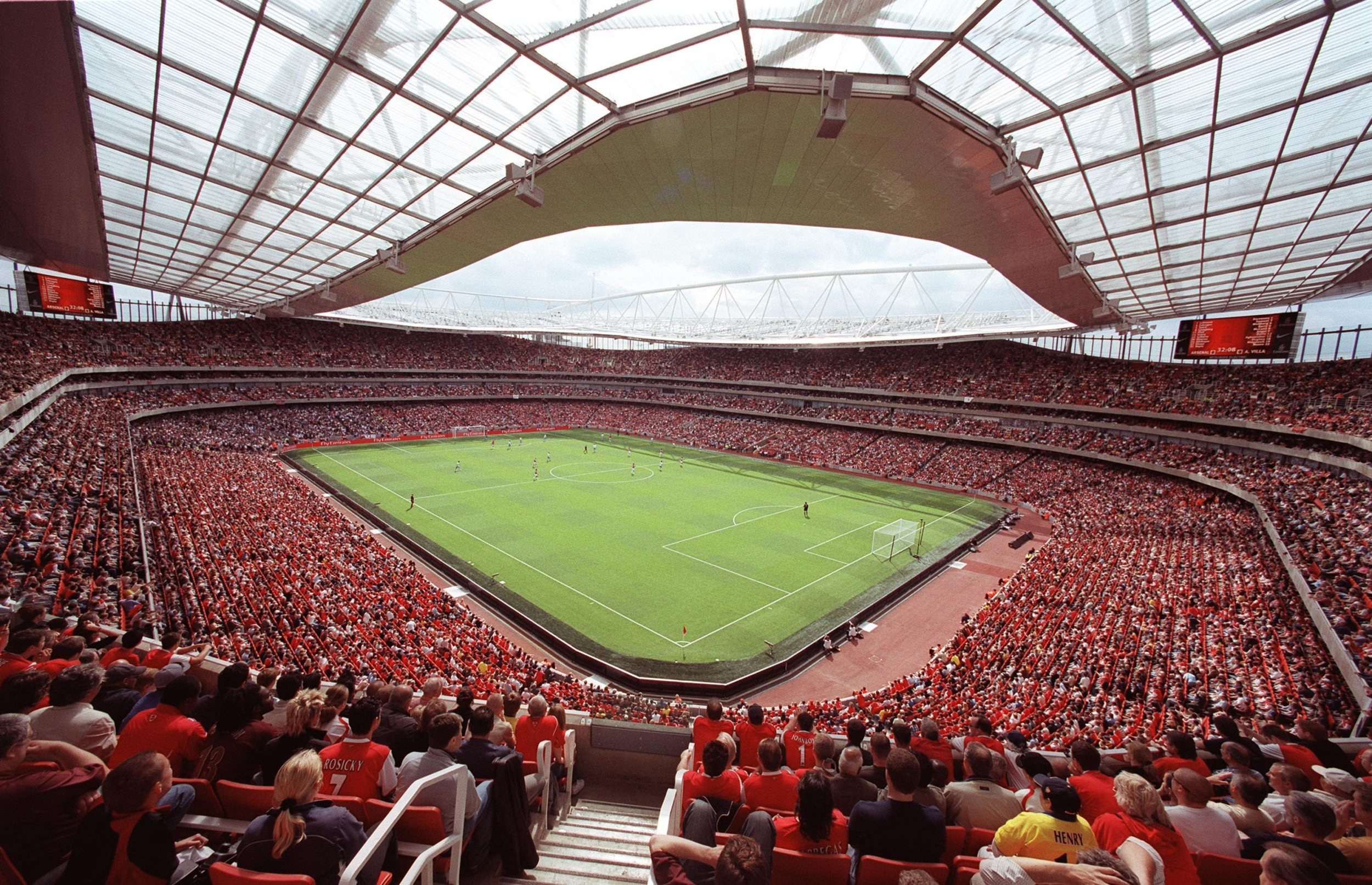 sponsorizzazione sportiva come strumento di marketing emirates arsenal
