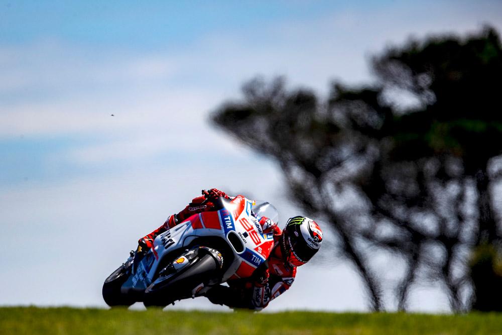 Ducati, Dovizioso è 8° e Lorenzo 11° alla fine della prima giornata australiana