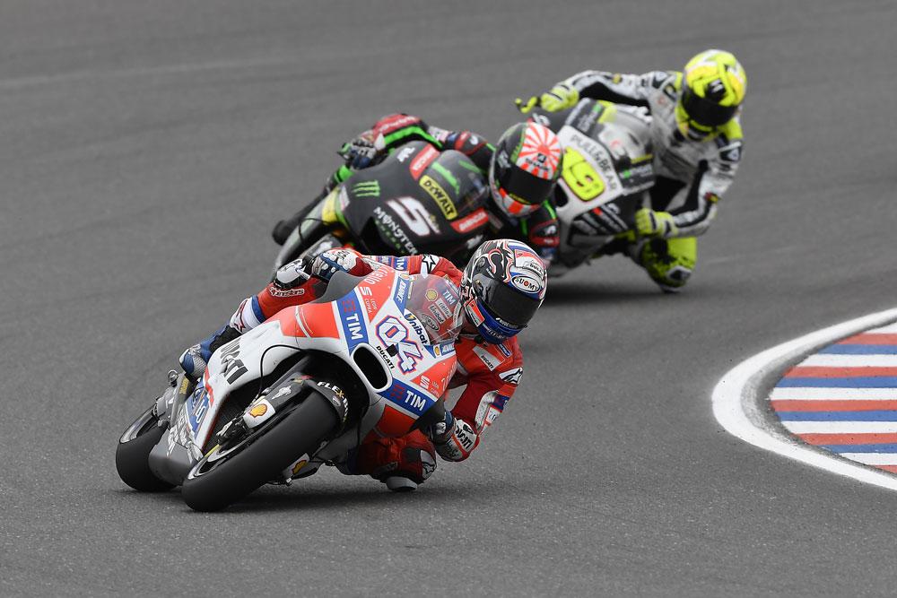 MotoGP Argentina: Ducati da dimenticare, fuori Dovizioso e Lorenzo