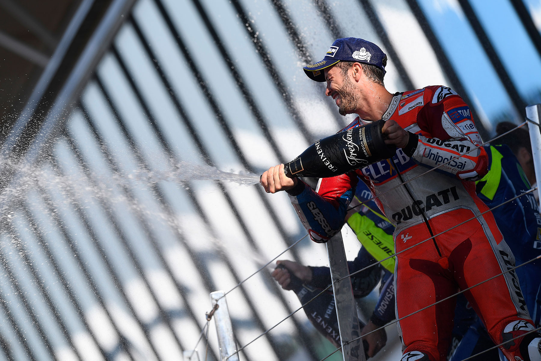 Dovizioso vince anche il British GP e torna in testa al mondiale