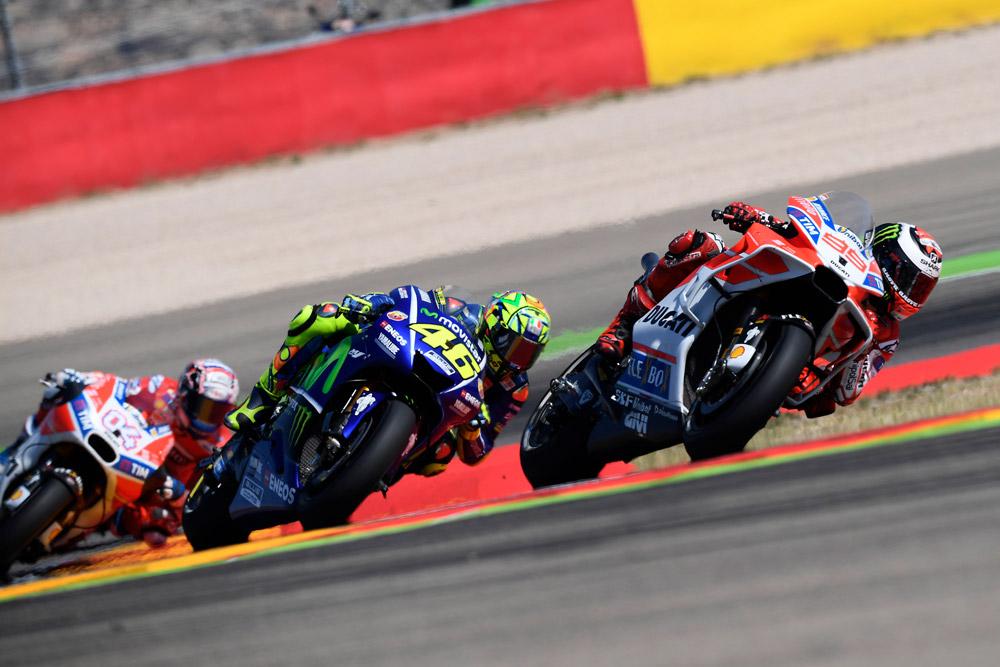 Ducati agrodolce ad Aragon: Lorenzo è terzo, Dovizioso Settimo