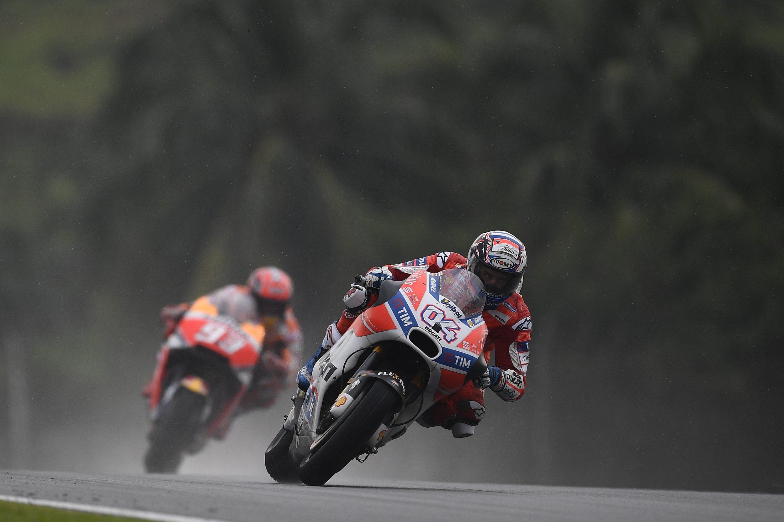 Doppietta Ducati in Malesia. Il titolo si deciderà a Valencia